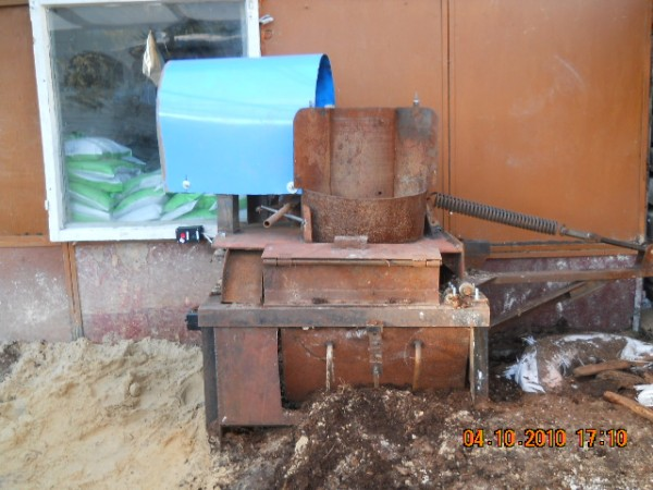 Самодельное оборудование для подготовки и фасовки почвогрунта...