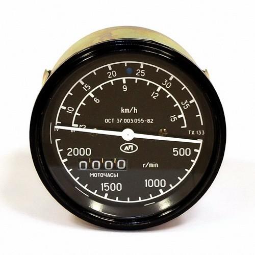 Этот несложный прибор дает возможность посчитать продолжительность работы трактора за определенный промежуток времени.