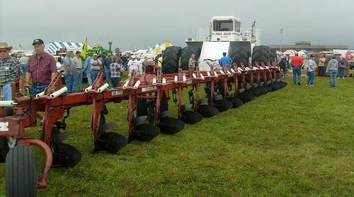 samyi-bolshoi-traktor-3.jpg