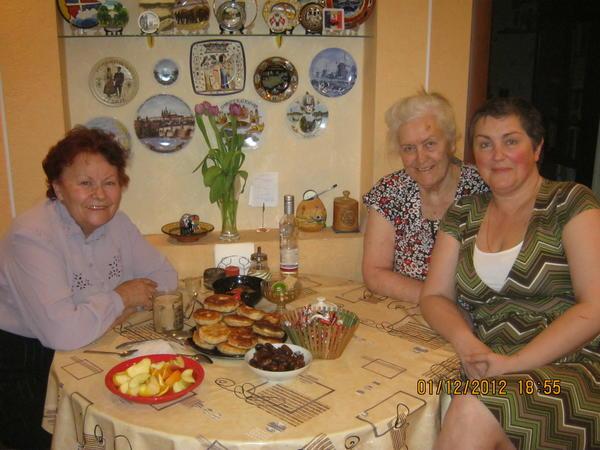 Я в гостях у Галины Дмитриевны Сапегиной и ее дочери Лены после 26 лет разлуки из поселка Батагай Верхоянского район Якутия