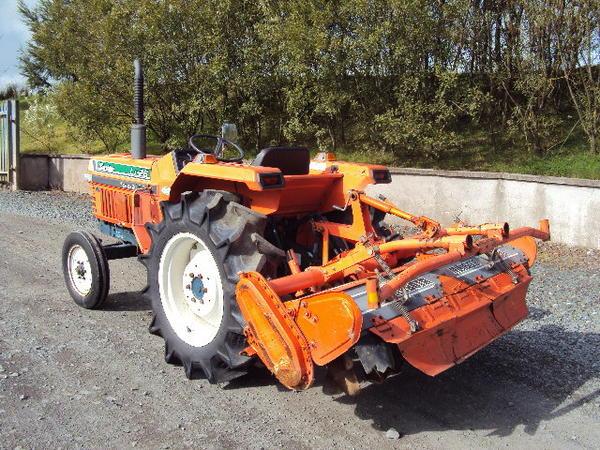 li-26-tractor-3-.jpg
