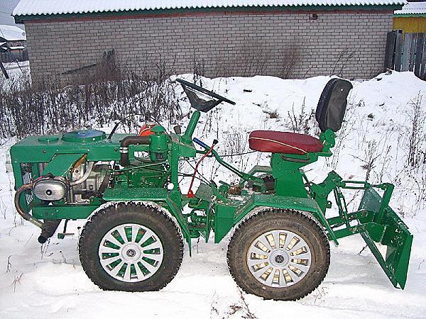 mini_traktor_dvs_ural_1.jpeg