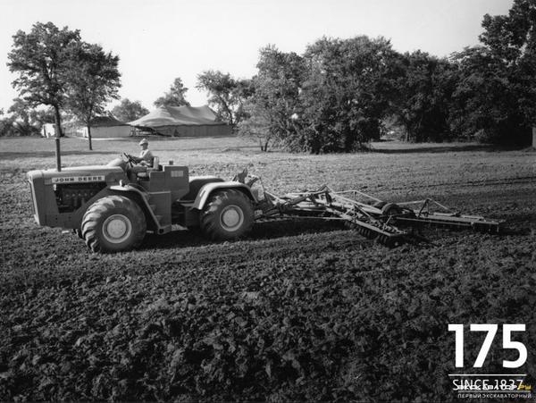 traktorjohndeere8010big.jpg