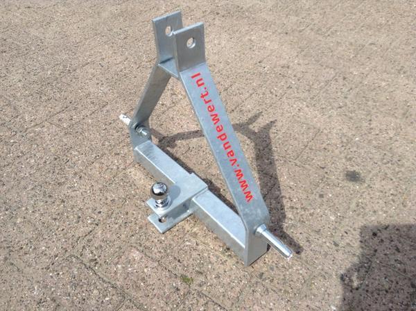 trekhaak-trekbok-minitractor-iseki-kubota-tractor.jpg