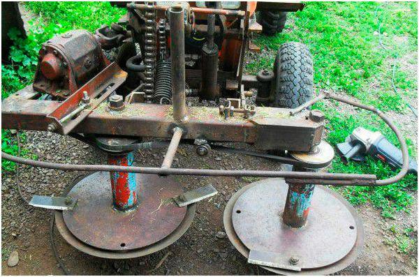 samodelnye-kosilki-na-mini-traktor-4.jpg