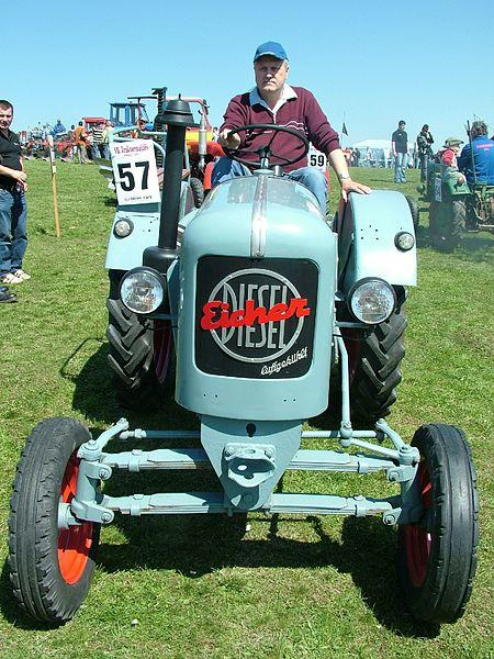 450px-traktormajlisbokor2011.jpg