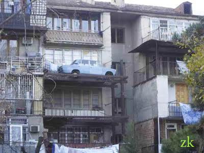 mashina-na-balkone3.jpg