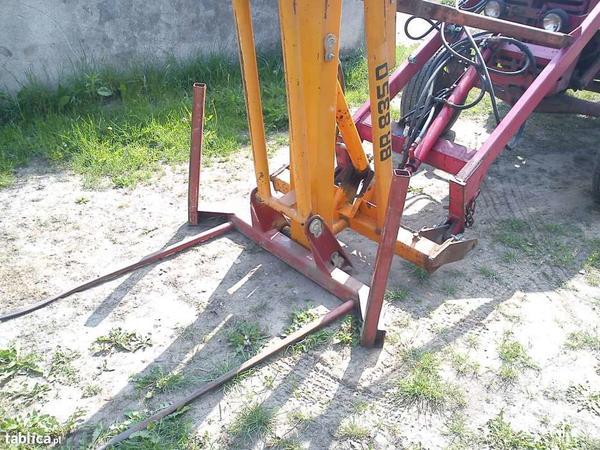 6340347331000x700ladowacz-do-balotow-pozostale-maszyny-rolnicze.jpg