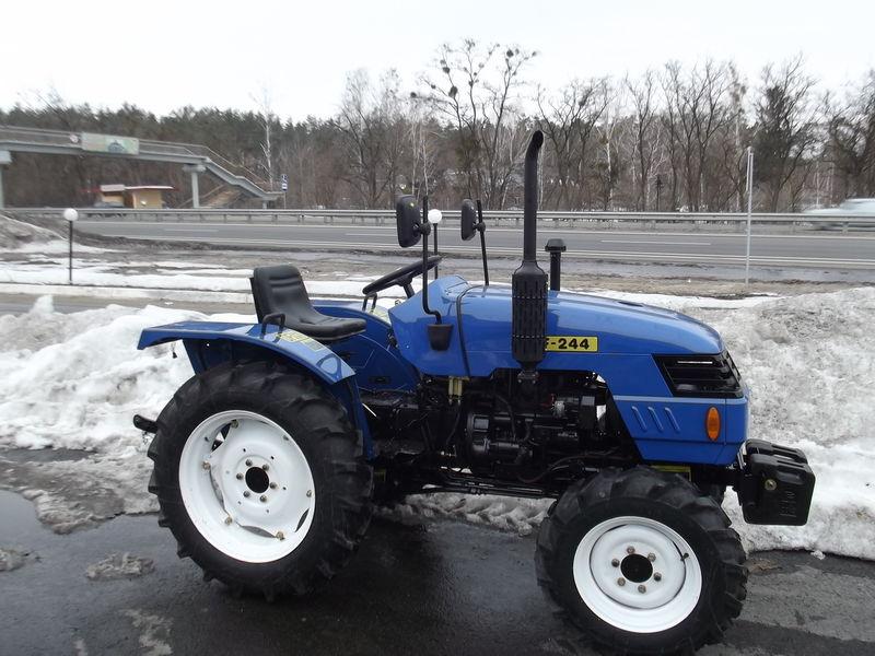 selhoztehnika-mini-traktor-dongfeng-244ukraina1.jpg