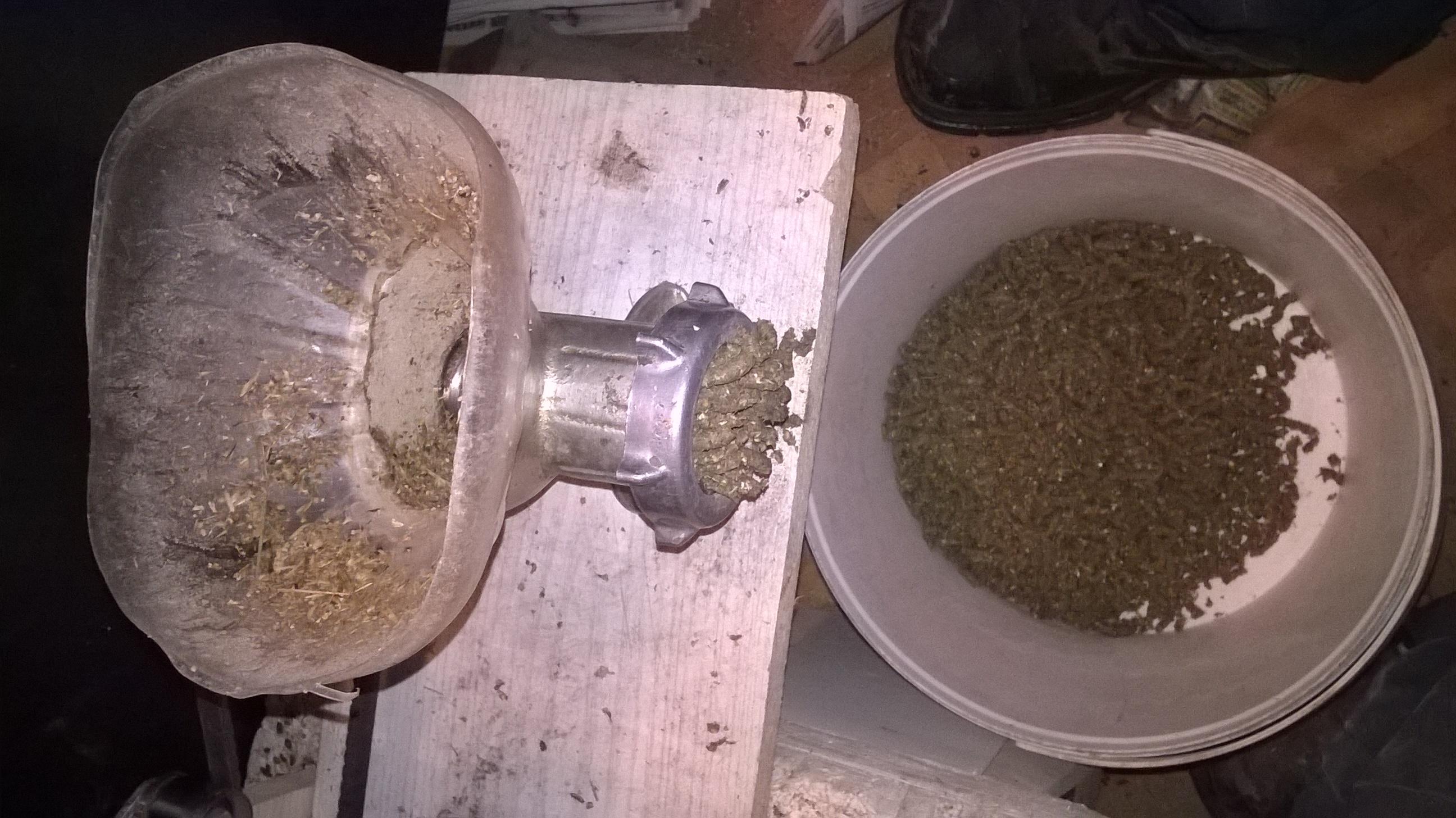 Как из мясорубки сделать гранулятор для комбикорма своими руками из мясорубки