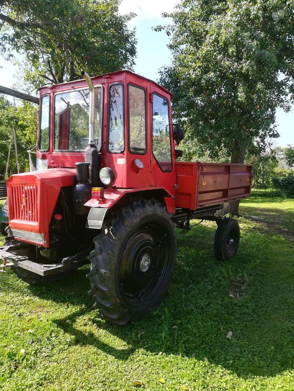 t-16-kita-traktoriai.jpg