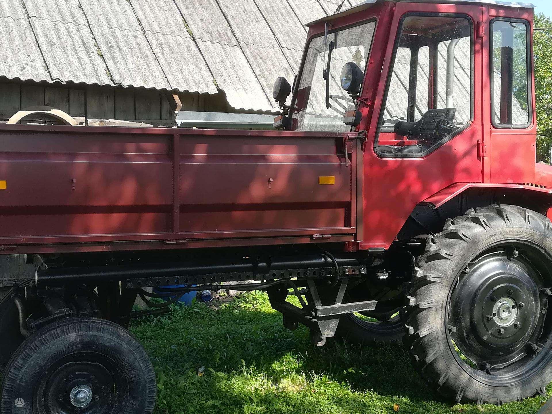 t-16-kita-traktoriai1.jpg