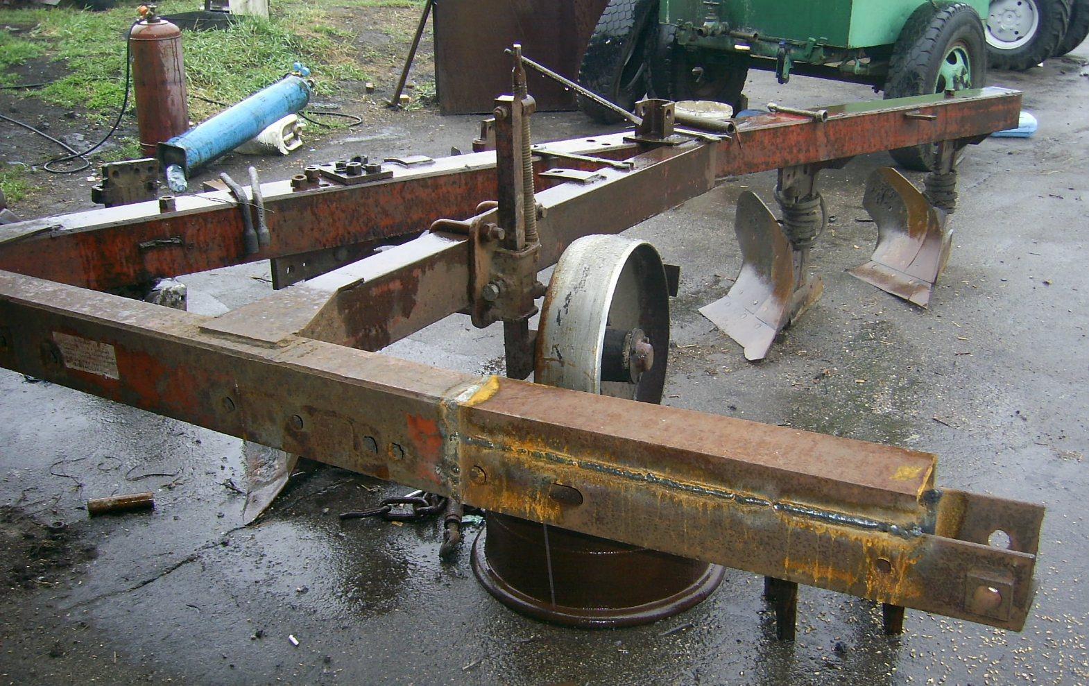 двухкорпусной плуг на трактор т 40 схема
