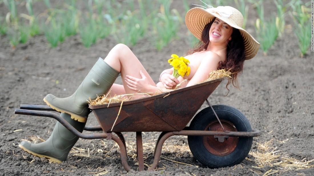 160427121452-world-naked-gardening-day-restricted-super-tease.jpg