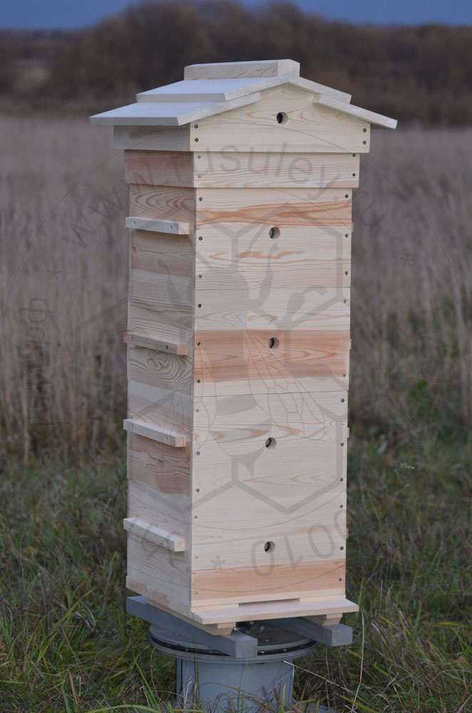 Улей варре с деревянной крышей